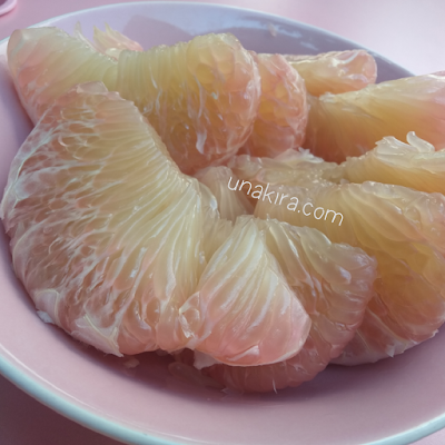 cara mengupass kulit jeruk bali