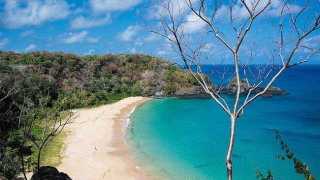Pantai Baia doo Sancho, Brasil