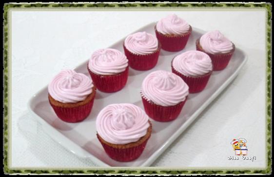 Cupcake de guaraná e doce de leite 16