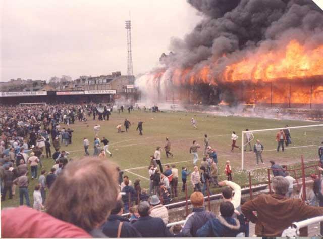 Dihentikan Gara-Gara Kebakaran Stadion