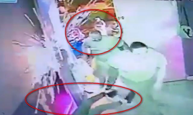"""VIDEO.- A diestra y siniestra captan momento exacto de ataque a Bar """"Diosas"""" gatilleros sin piedad llegan y rafaguean"""