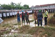 Berikut Video Pembongkaran Bilik Suara Rengasdengklok Utara Gegara Banjir