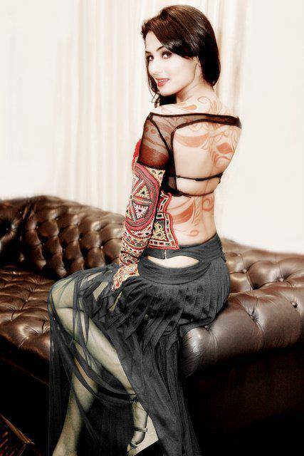 sonal-chauhan-spicy-look