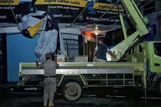 Pemko Medan Bersama Bawaslu Tertibkan APK Pilkada