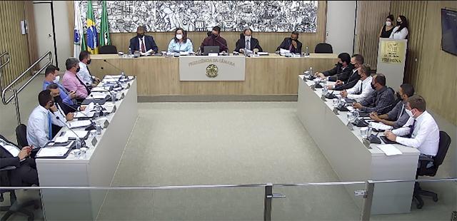 Vereadores de Colombo aprovam projeto que garante mais recursos para educação