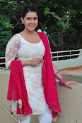 mannara chopra beautiful photos-thumbnail-6