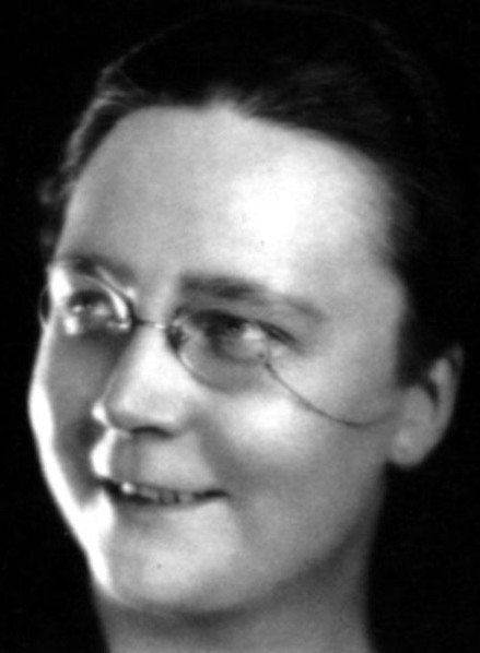 dorothy sayers Dorothy l sayers (1893-1957) was a british playwright, scholar, and acclaimed author of mysteries, best known for her books starring the gentleman sleuth lord peter wimsey.