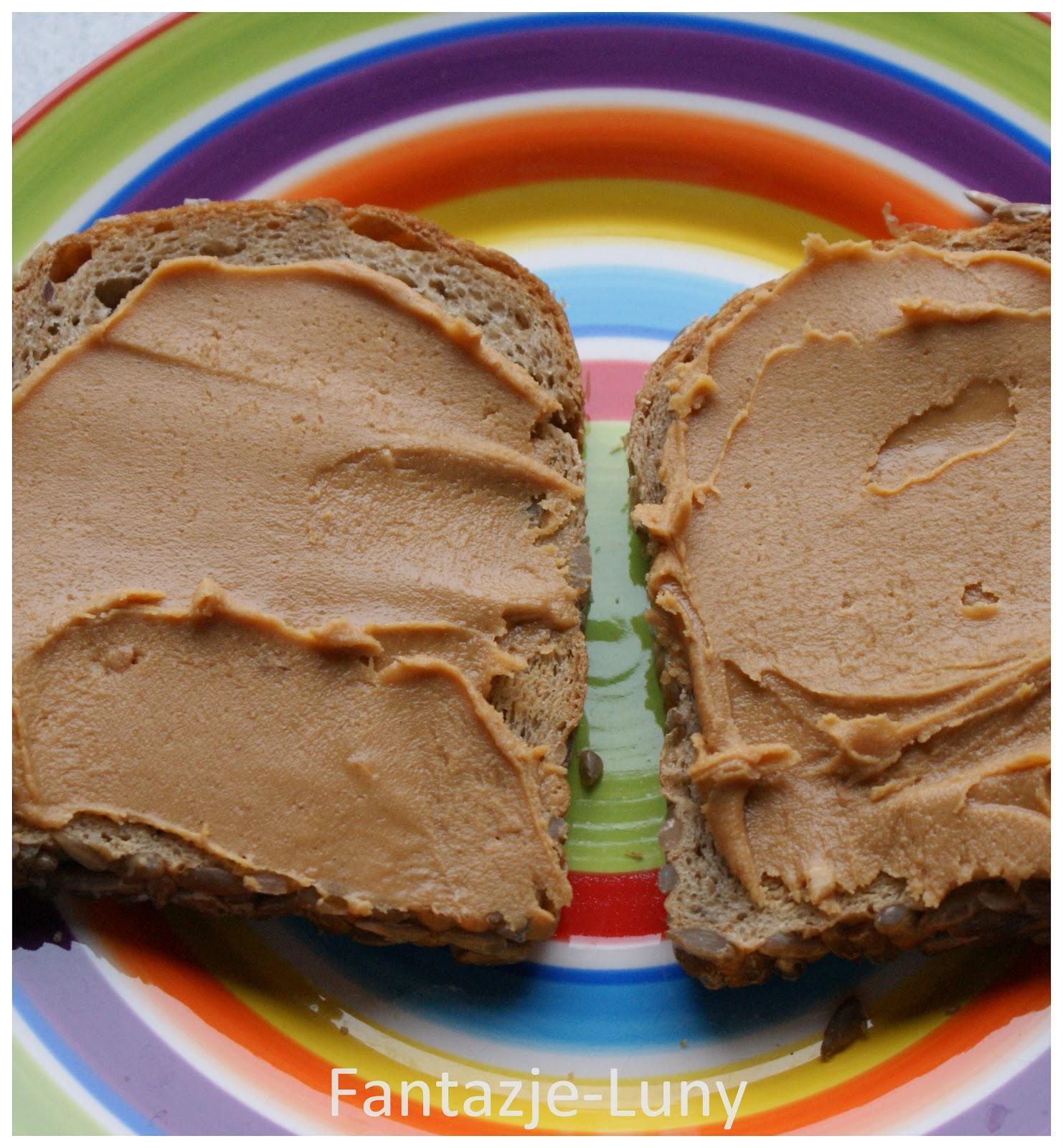 Ile kalorii ma kromka chleba z masłem? Źródło niacyny - Fabryka Siły