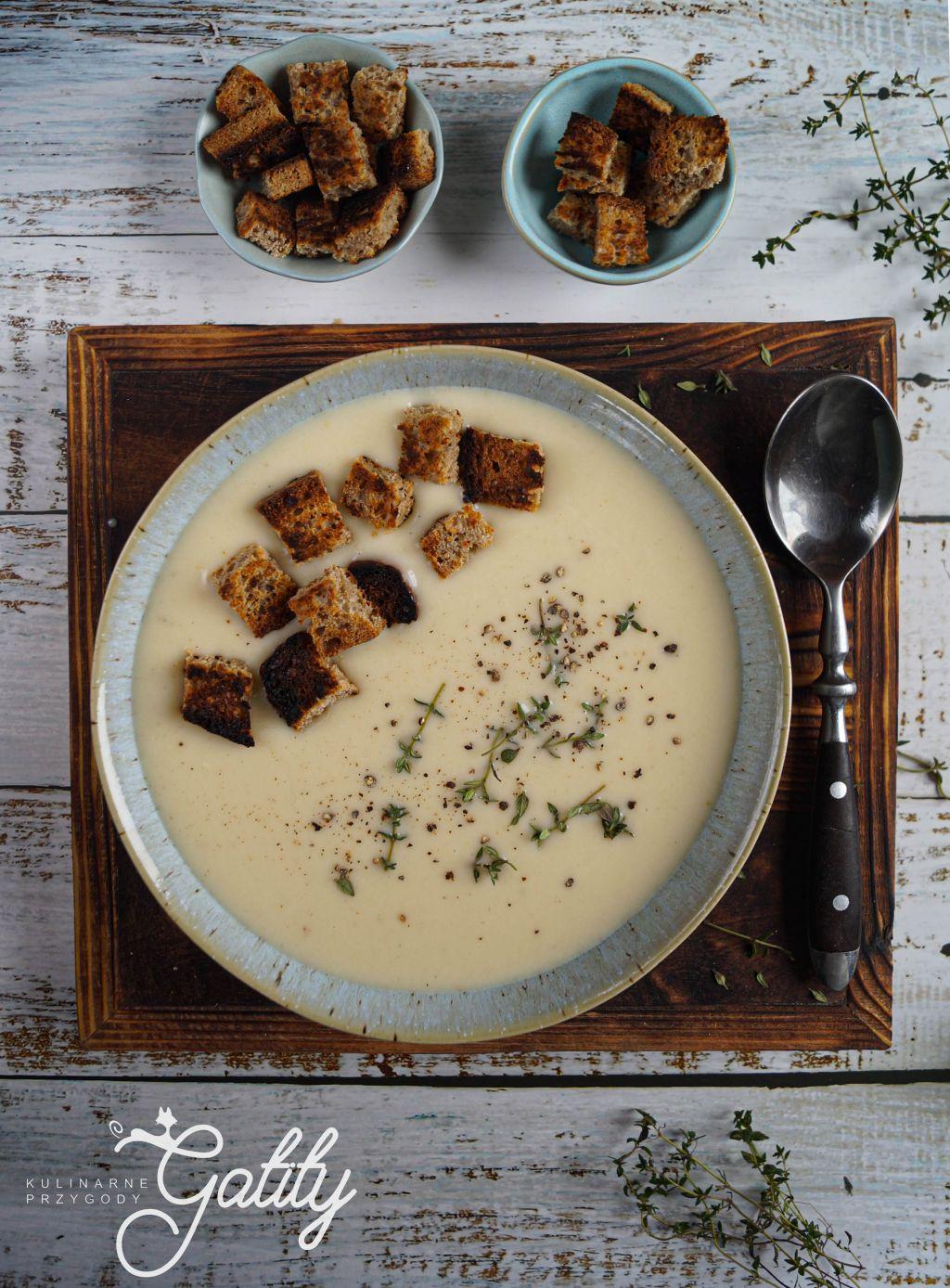 kremowa-zupa-z-grzankami