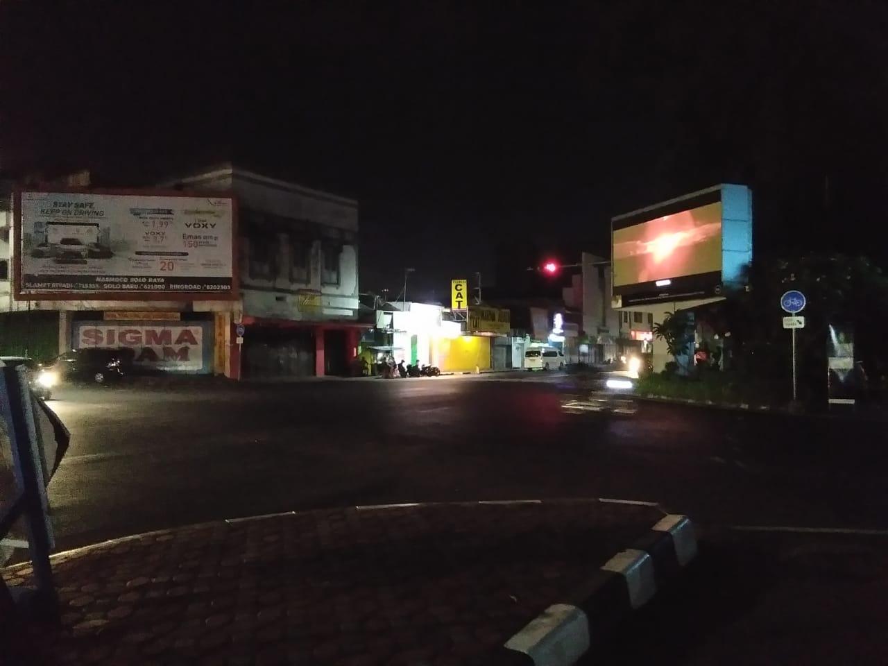 Pergantian Tahun Tinggal Menghitung Jam, Jalanan Kota Solo Sepi