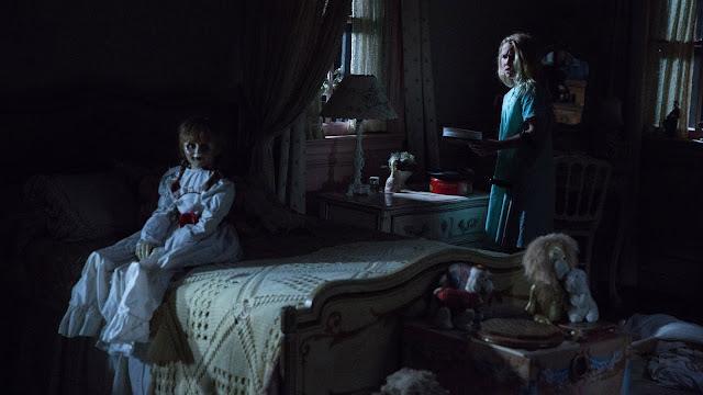 Donna và Angie thường xuyên bị ám ảnh bởi Annabelle