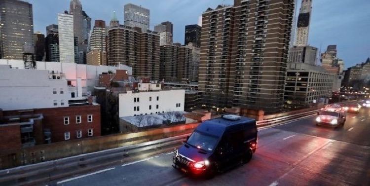 EU, ¿MIEDO O PRECAUCIÓN? Un helicóptero y 12 vehículos para cuidar a El Chapo