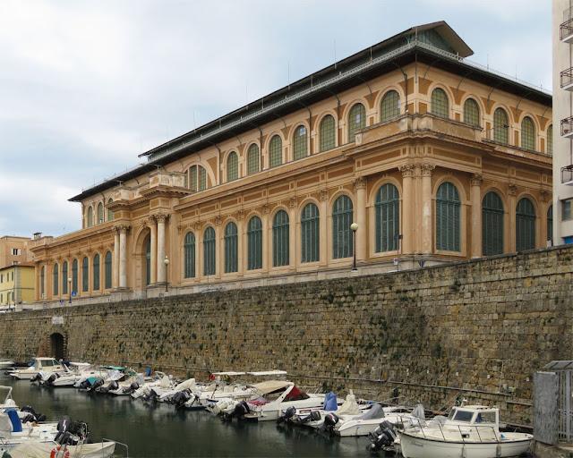Mercato Centrale (Central Market) or Mercato delle Vettovaglie (Market of Provisons), seen from the Fosso Reale (Royal Canal), Livorno