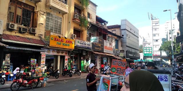 Dari Pulau Pinang Ke Ho Chin Minh, travel to ho chin minh, melawat ho chin minh, ho chin minh, transport dari airport ke hotel di Ho chin minh, transport di ho chin minh, harga teksi di ho chin minh, tambang teksi di ho chin minh, tambang bas di ho chin minh, makanan halal di ho chin minh, restoran halal di ho chin minh, backpackers ho chin minh, pengalaman travel ke ho chin minh, ben than market, malaysian street, kopi ais vietnam, kopi ais vietnam paling sedap