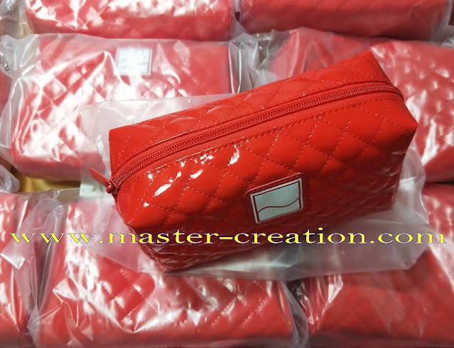 red rose cosmetic bag