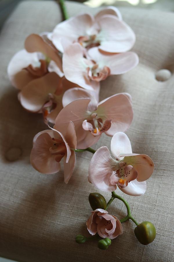 Sztuczne storczyki - pojedyncze kwiaty, liście, gąbka florystyczna