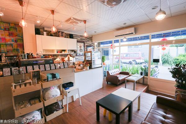 台中清水解憂咖啡館|隱藏在社區裡的素食咖啡館,環境舒適寧靜