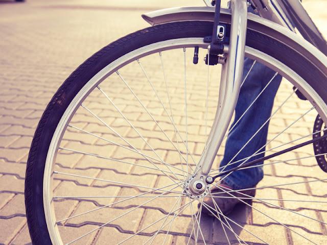 Ήπειρος:Τιμητική άδεια σε υπάλληλο ...που πηγαίνει στη δουλειά του με ποδήλατο!