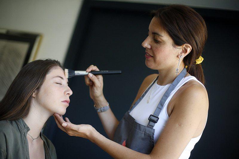 Apps conectan a maquilladores y estilistas con nuevos clientes