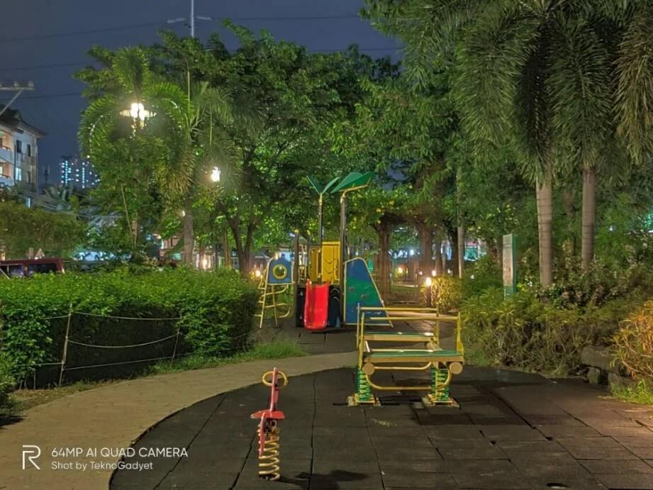 realme X3 SuperZoom Camera Sample - Playground, Night, Zoom 2x, Night Tripod Mode