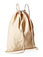 Ağzı iplikle büzülmüş ve sırta asılabilen çuval kumaşından yapılmış torba çanta