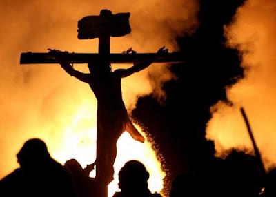 Resultado de imagem para ACONTECIMENTOS NO DIA DA MORTE DE JESUS