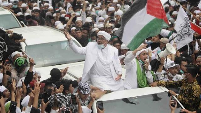 Dokter Tirta: Kerumunan Habib Rizieq Ditegur, tapi Gibran Tidak
