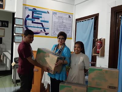 Senator RI Utusan Sulut, Dr. Maya Rumantir MA.Ph.D Kunker ke Panti Asuhan Sayap Kasih