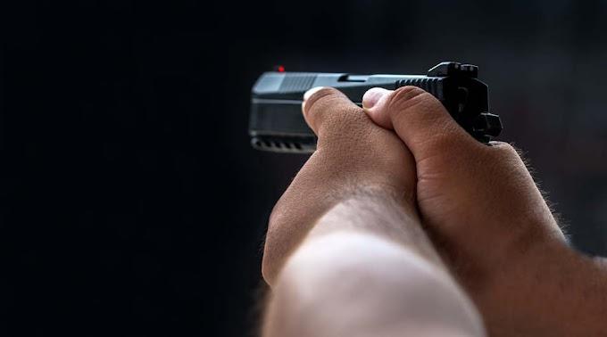 Mint egy zsarufilmben: fegyverrel fenyegette a rendőröket a debreceni férfi, börtönbe mehet