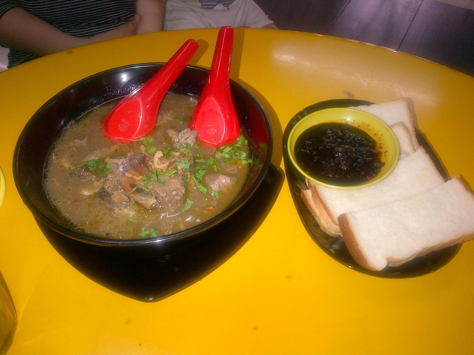 Tempat Makan Menarik di Johor: warung saga johor
