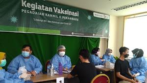 Kerjasama dengan OJK, Pegadaian Pekanbaru Gelar Vaksinasi Massal Sebanyak 500 Kuota