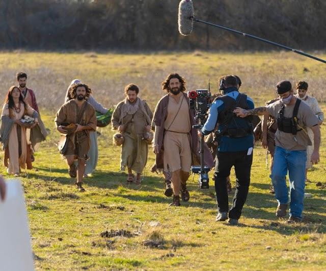 A série 'O Escolhido' reúne 2.000 figurantes para filmar história bíblica em meio as restrições do COVID-19