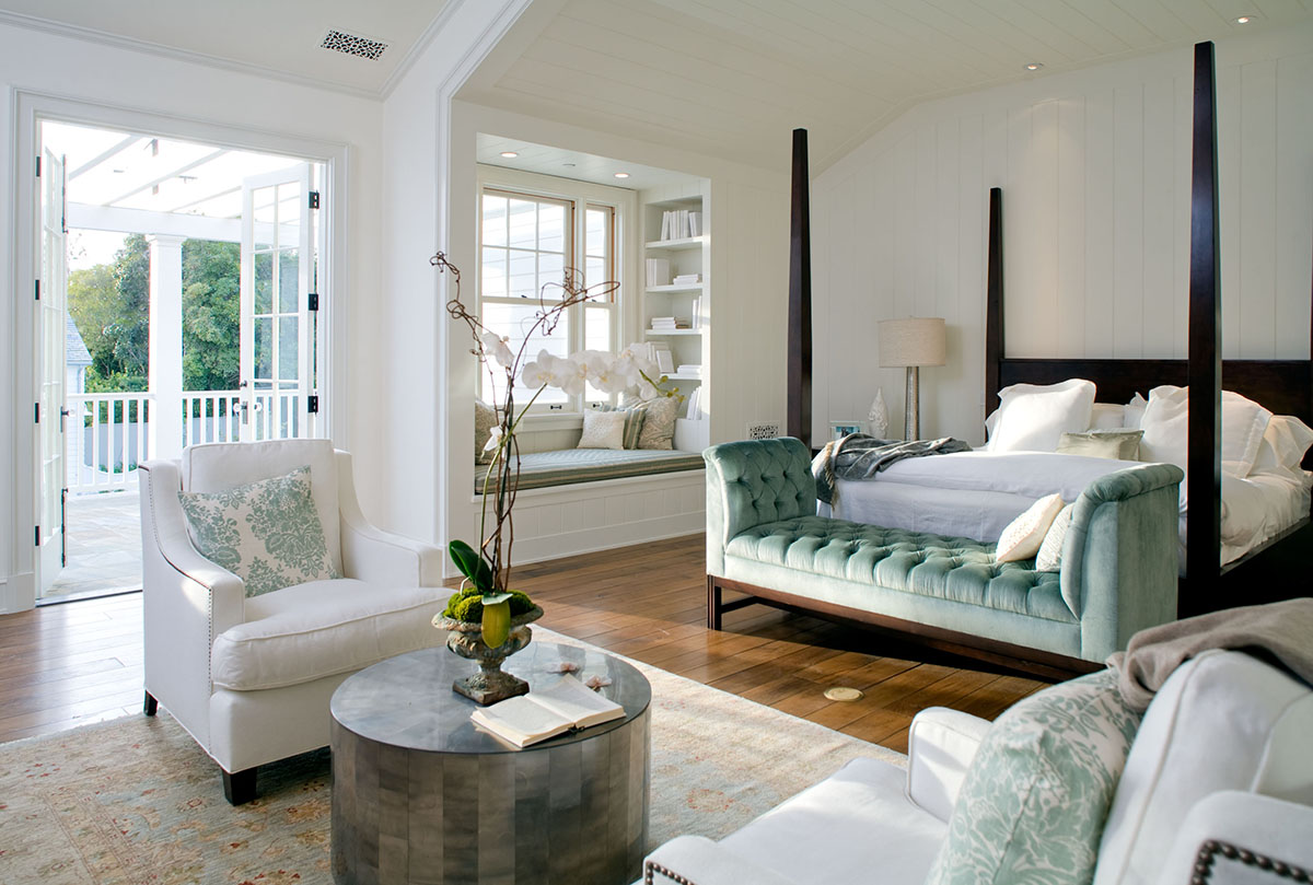 Bedroom in Cliffwood traditional mansion home designed by Steve Giannetti in Brentwood Park