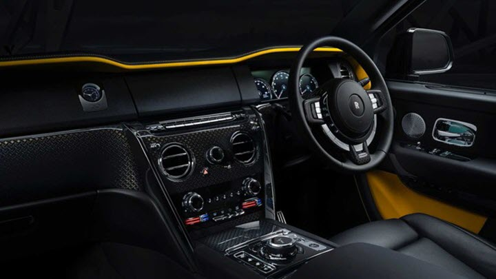 Rolls-Royce Cullinan Black Badge 2020 bất ngờ có mặt tại Việt Nam