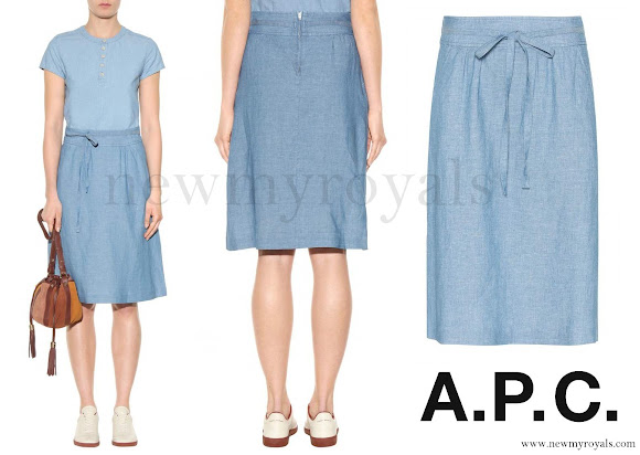 Crown Princess Mary wore A.P.C. Bellona linen and cotton skirt