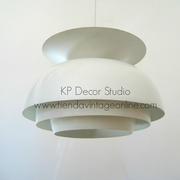 lámpara techo diseño danés dinamarca, estilo antigua mid century de diseñador conocido Jakobsson