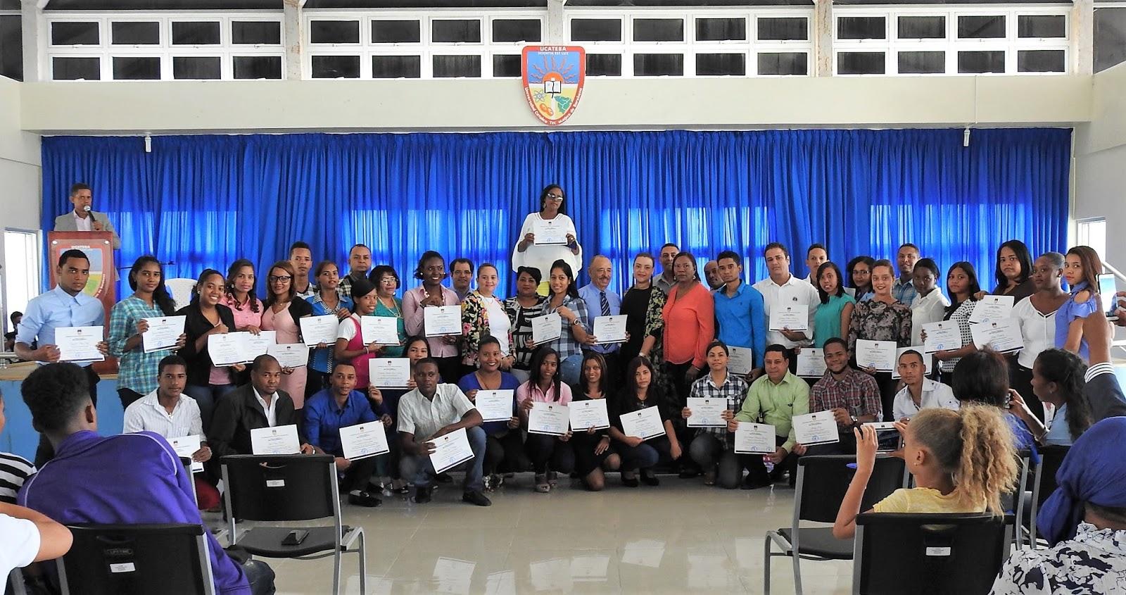 UCATEBA certifica a estudiantes con altos índices académicos