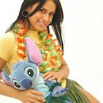 Andrea Rincon, Selena Spice Galeria 13: Hawaiana Camiseta Amarilla Foto 38