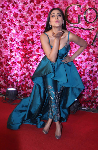 Actress Shriya saran at Lux Golden Rose Awards 2016 Images