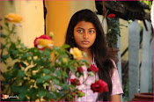Tholipremalo Movie Stills-thumbnail-14