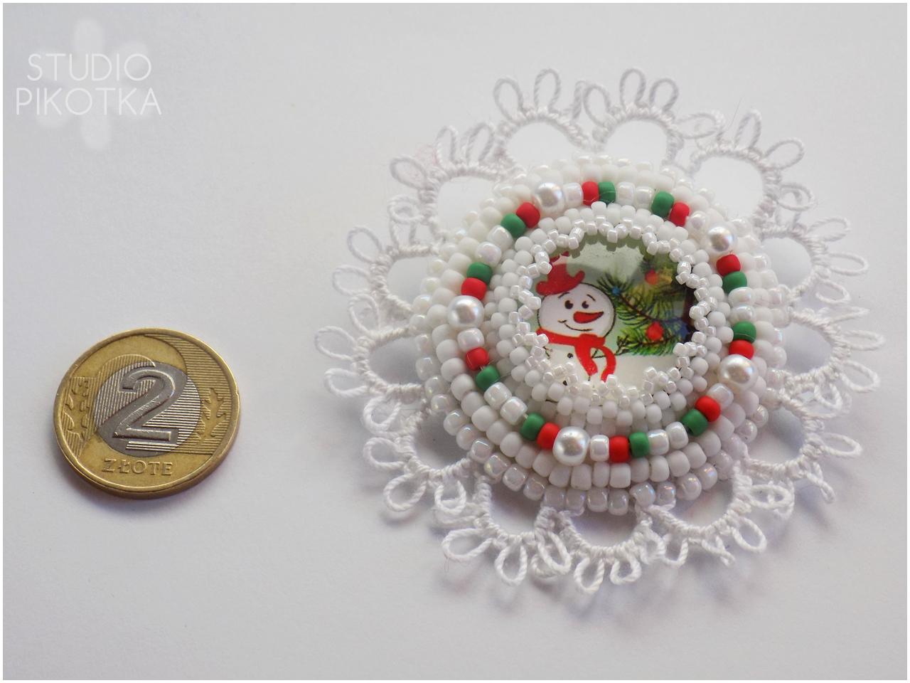 frywolitka, haft koralikowy, tatting, biżuteria, handmade, rękodzieło, broszka, koraliki toho, toho round, szklane perły, kaboszon