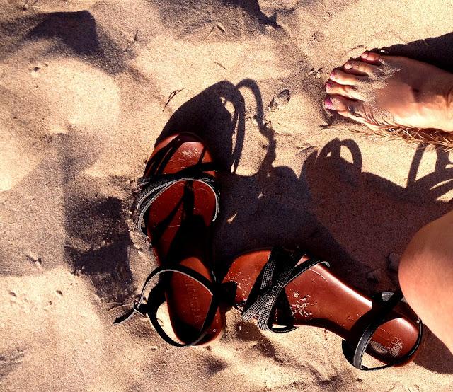 sandaalit, hiekka, varpaat