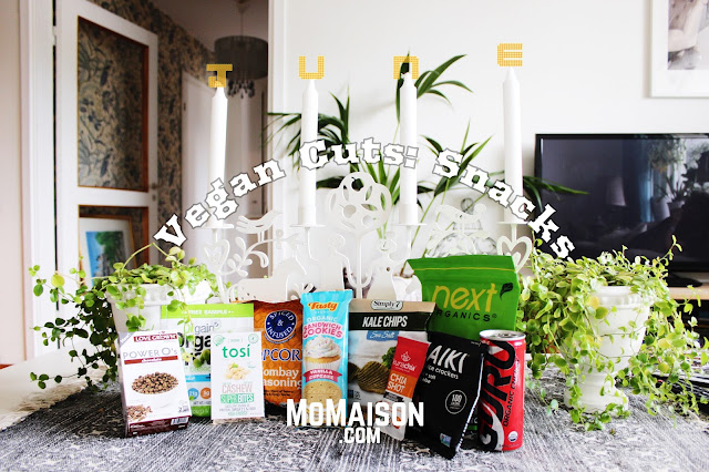 http://www.momaison.com/2016/07/vegan-cuts-june-snacks-box-unbox-review.html