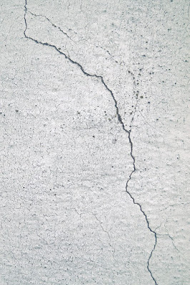 crack defects in plaster