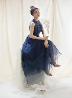 Lý Kim Thảo gợi ý váy nữ tính