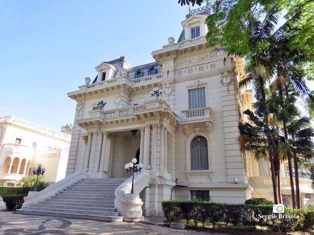Palacete Violeta (vista lateral da fachada frontal)