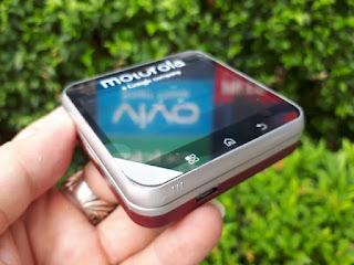 Hape Jadul Motorola FlipOut Rotating Slide Android QWERTY Keyboard
