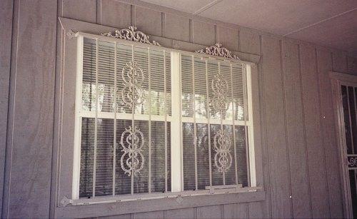 Teralis Jendela Rumah Mewah