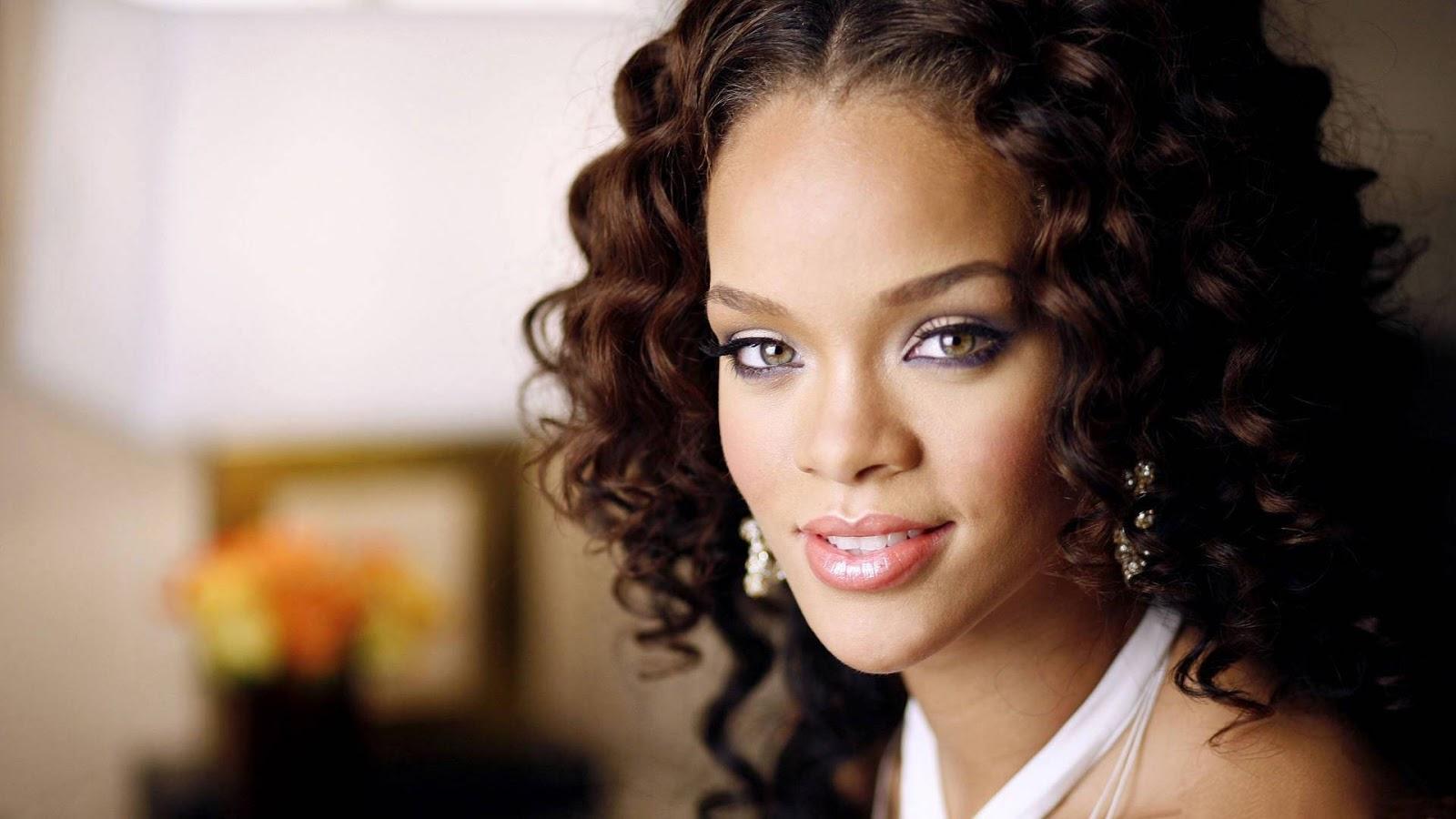 Rihanna: Rihana HD Wallpaper 2012 Free Download