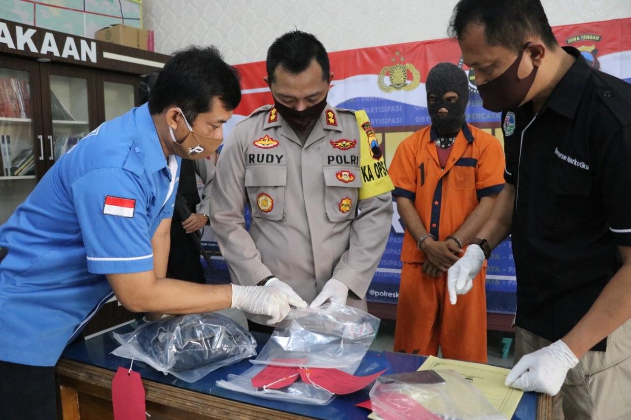 Bekuk Pemakai Narkoba, Polisi Amankan 11 Paket Sabu dan Uang Rp 550 Ribu